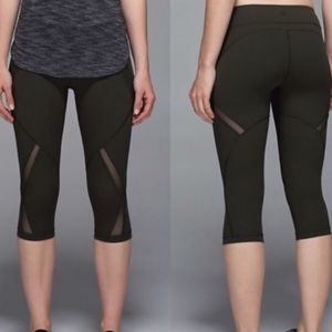 Lululemon Cool To The Street Black Crops Baptiste